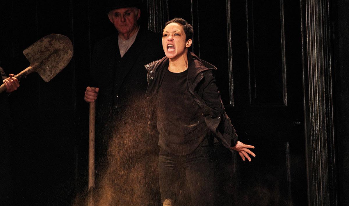 Hamlet του Shakespeare και της RUTH NEGA